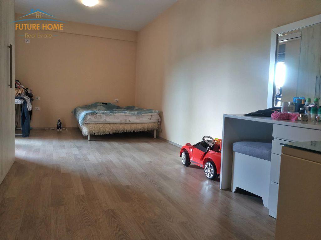 Shitet, Apartament 2+1, Misto Mame