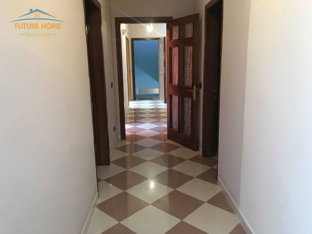 Qera, Apartament 3+1, Bllok, Tiranë.