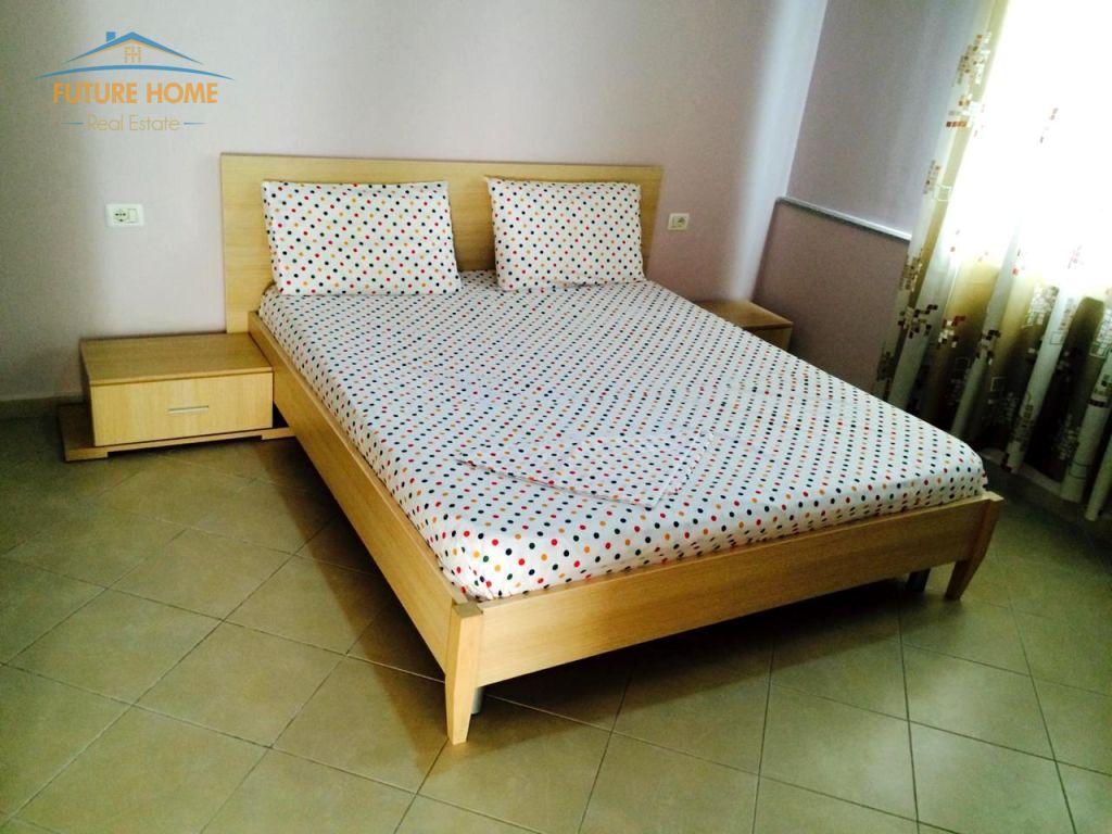 Qera, Apartament 1+1, Komuna e Parisit, Tiranë