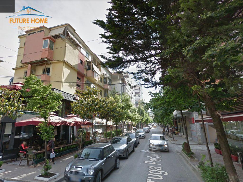 Qera, Ambient, Bllok,Tiranë