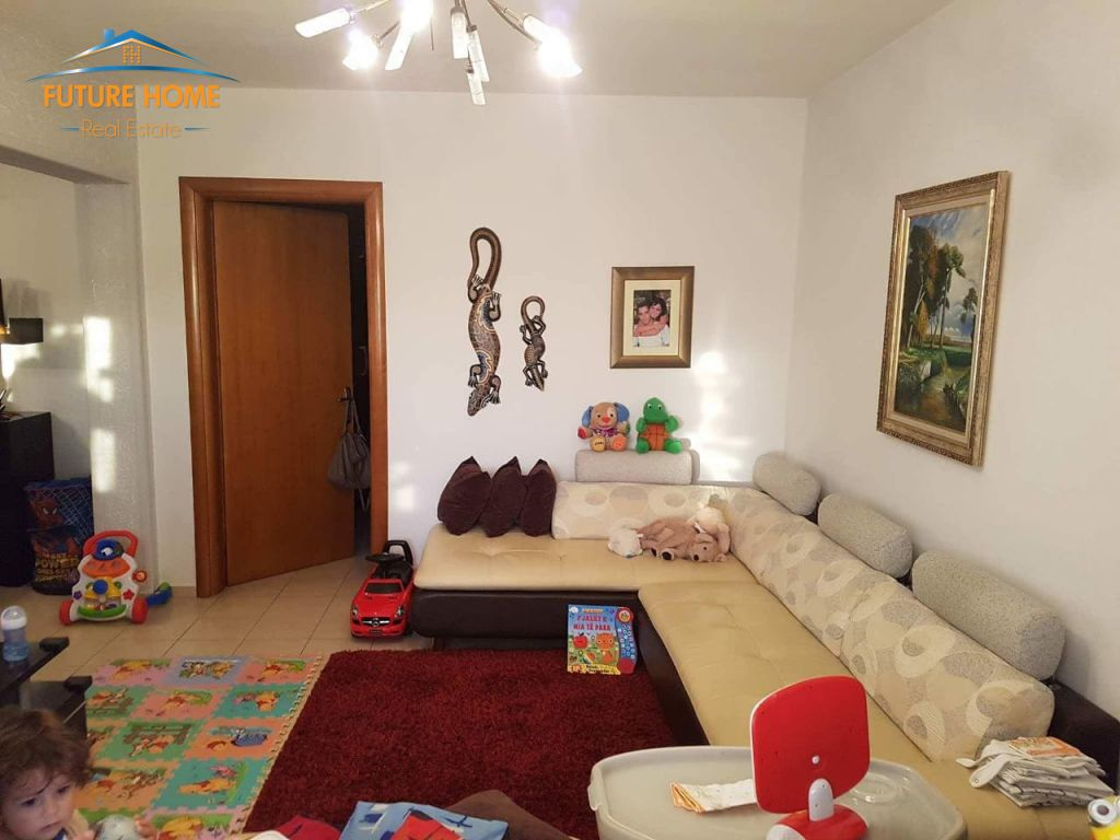 Shitet, Apartament 3+1, Vasil Shanto, Tiranë.