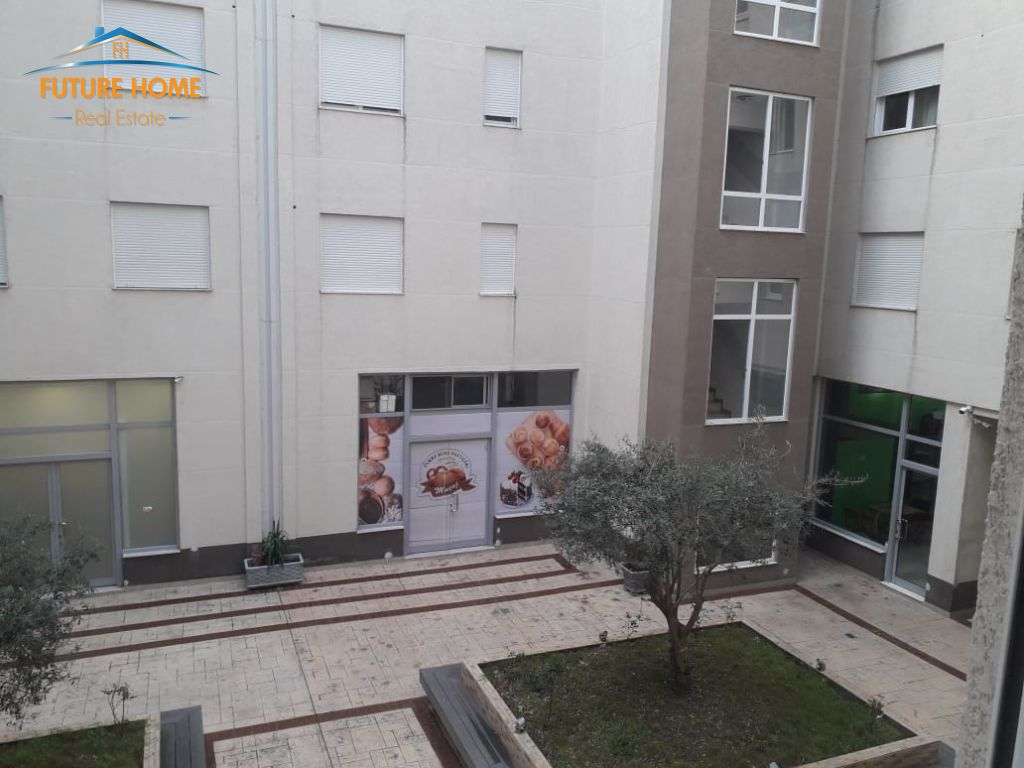 Shitet, Apartament 2+1, Kopshti Botanik, Tiranë