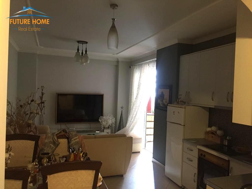 Qera, Apartament 2+1, Kodra e Diellit, Tiranë.