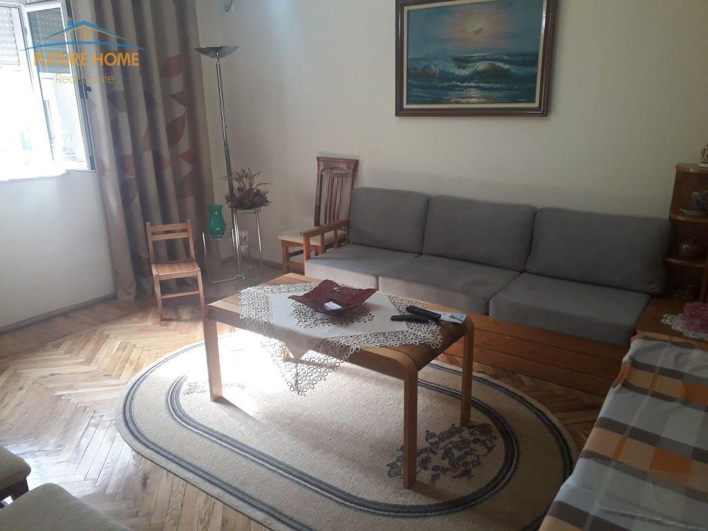 Shitet, Apartament, 3+1, Rruga Fortuzi
