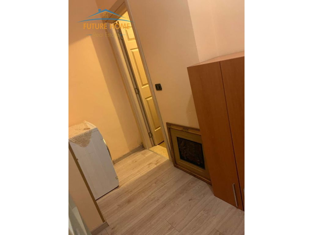 Shitet, Apartament 2+1, Shkolla Partizani
