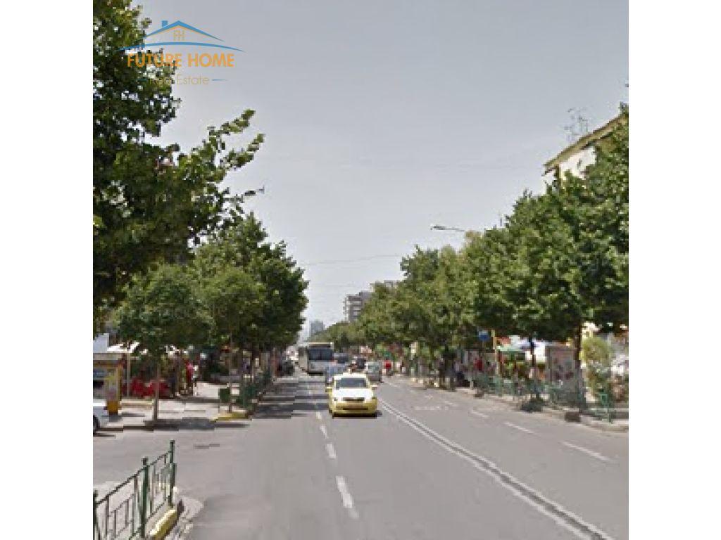Shitet Biznesi, Rruga e Durrësit