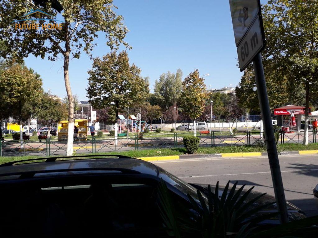 Qera, Ambient, Stadiumi Dinamo, Tiranë