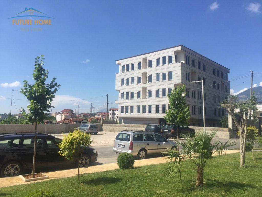 Qera, Godine Biznesi, Kinostudio, Tiranë
