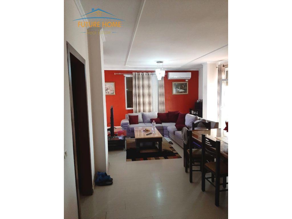 Shitet, Apartament 3+1, Kopshti Botanik, Tiranë