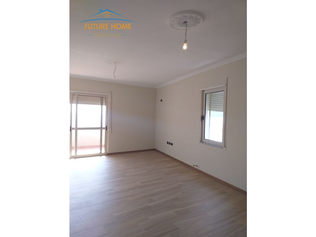 For Rent, Apartment 2 + 1, Refresh