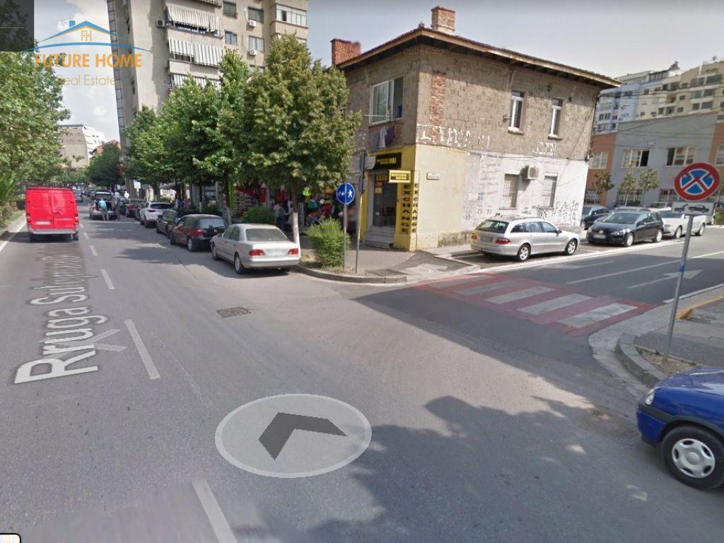 Shitet, Ambjent, Stadium Dinamo, Tiranë