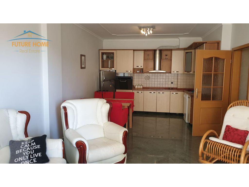 Qera,Apartament 2+1,Blloku