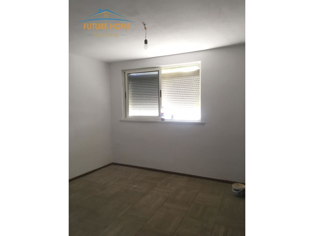Shitet, Apartament 3+1, 21 Dhjetori