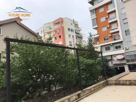 For sale, Ambient, Fresk, Tirana.
