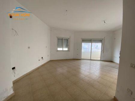 Shitet, Apartament 1+1 + Verandë, Fresku, Tiranë
