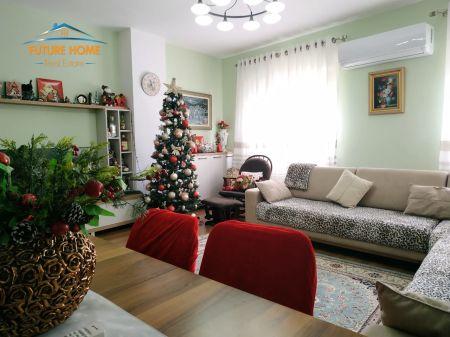Shitet, Apartament 1+1, Fresku, Tiranë