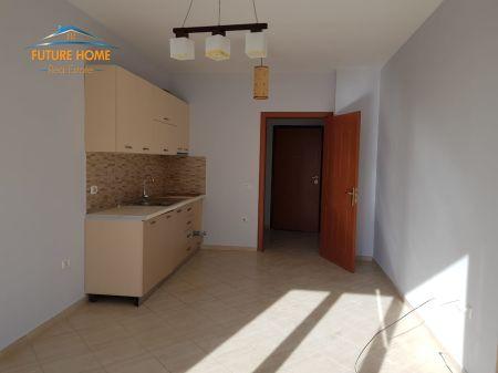 Shitet, Apartament 2+1, Fresku, Tiranë
