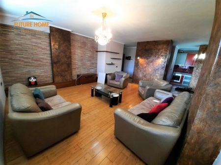 Shitet, Apartament 2+1, Kinostudio, Tiranë.