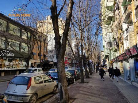Qera, Ambient, Sheshi Willson, Tiranë