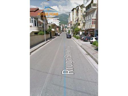 For sale, Ambient, Fresku, Tirana