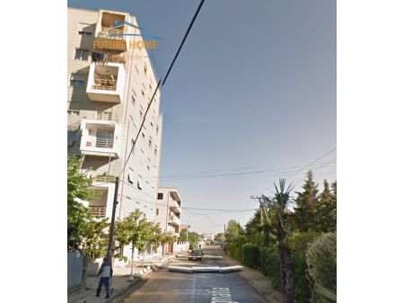 Shitet, Garazh, Rruga Egnatia