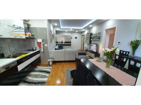 Shitet, Apartament 3+1+2 Garazhe, Qender