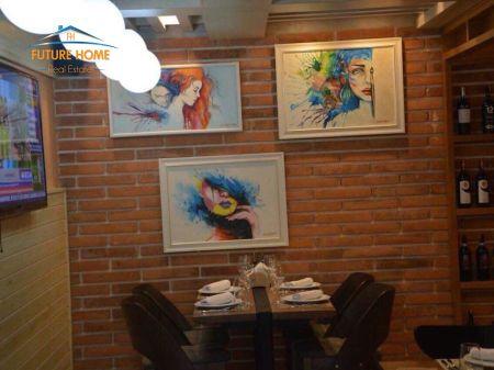 Qera, Restorant, Rruga e Durrësit