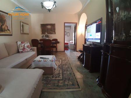 Shitet, Apartament 3+1, Rruga e Durrësit, Tiranë.