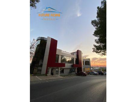 Shitet, Bar-Restorant, Fresku, Tiranë