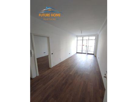 Qera, Apartament 1+1 Komuna e Parisit,Kika 2, Tiranë