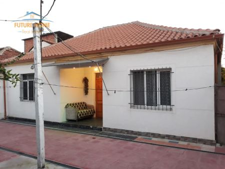 Shitet, Shtëpi Private, Laprakë, Tiranë