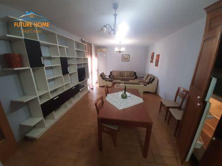 Qera, Apartament 3+1, Blloku, Tirane.