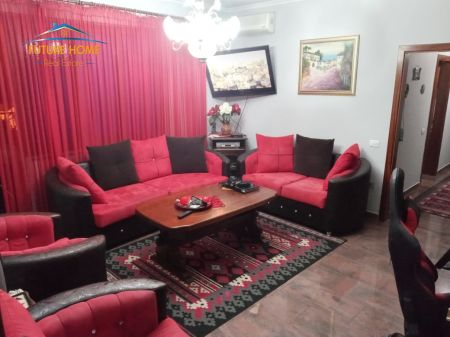 Shitet,Apartament 2+1,Myslym Shyr ,Tirane.