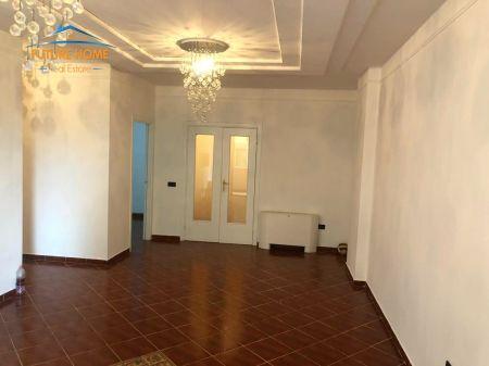Qera ,Ambient, Bllok, Tiranë