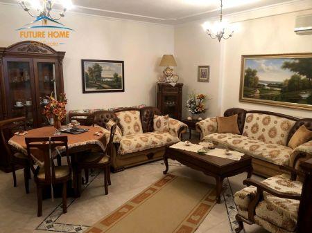 Qera, Apartament 2+1, Bllok, Tiranë.