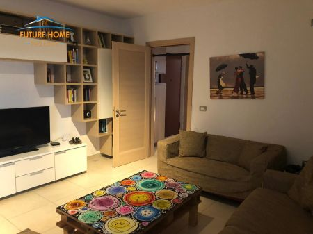 Qera, Apartament 2+1, Fresku, Tiranë.