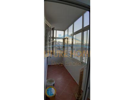 Shitet, Apartament 1+1, tek Muzeumi, Durres
