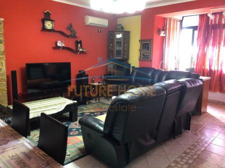 Shitet, Apartament 3+1, 21 Dhjetori, Tiranë