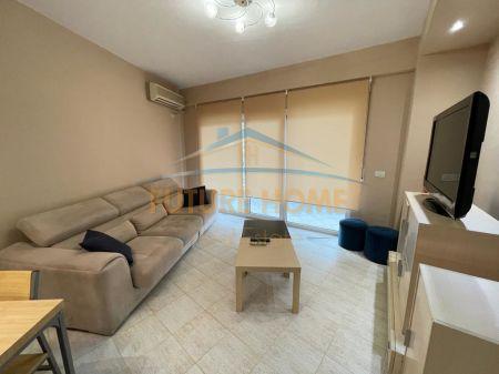 Qera, Apartament 2+1+2, Komuna e Parisit, Tirane