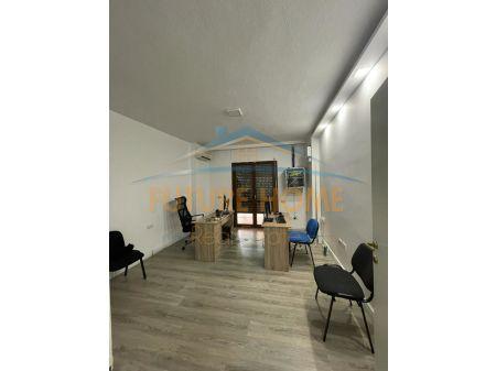 Shitet, Apartament 3+1+2 , Komuna e Parisit, Tiranë