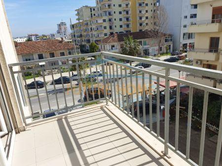 Shitet, Apartament 1+1 i mobiluar, prane Rifat Peshkatarit, ne Plazh, Durres