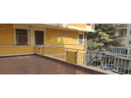 Shitet, Apartament 2+1, te Vila Zogut, Durres