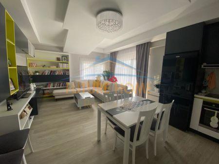 Shitet, Apartament 3+1+Verandë+Post Parkimi, Fresku, Tiranë.