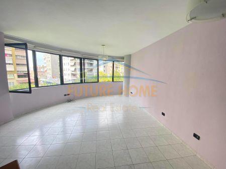 Qera,Apartament 2+1 Për Zyra/Banim,Rruga e Kavajës