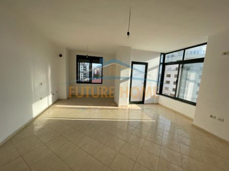 For Sale, Apartment 3 + 1, Misto Mame