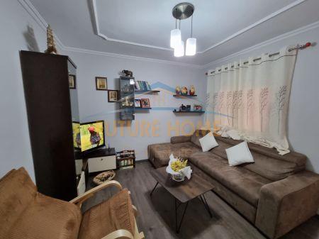 Shitet, Apartament 2+1, Tregu Elektrik, Tiranë.