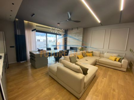 Shitet, Apartament 3+1, Tower Bridge 3, Tiranë