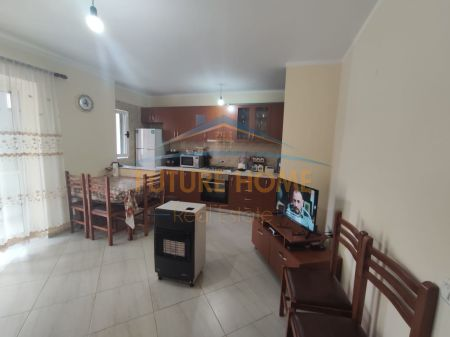 Shitet, Apartament 2+1, Ali Demi, Pranë Poligrafikut, Tiranë.