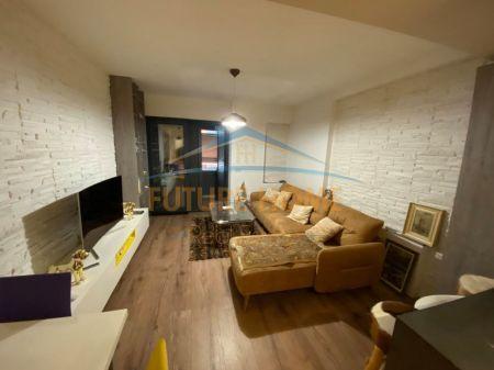 Shitet,Apartament 2+1+Garazh,Unaza e Re