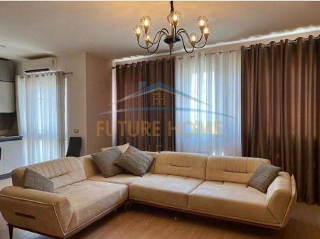 Qera, Apartament 2+1+2, Komuna e Parisit, Tiranë